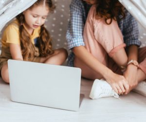 Read more about the article How To Become a Babysitter in College